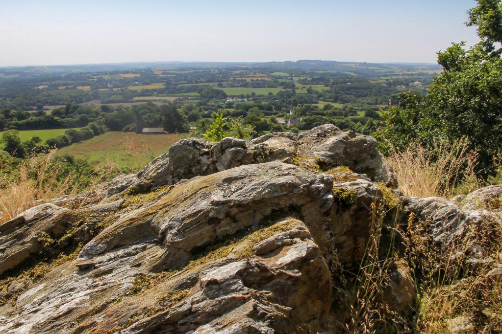 Placeguen, vue panoramique de la vallée depuis les Montagnes Noires.