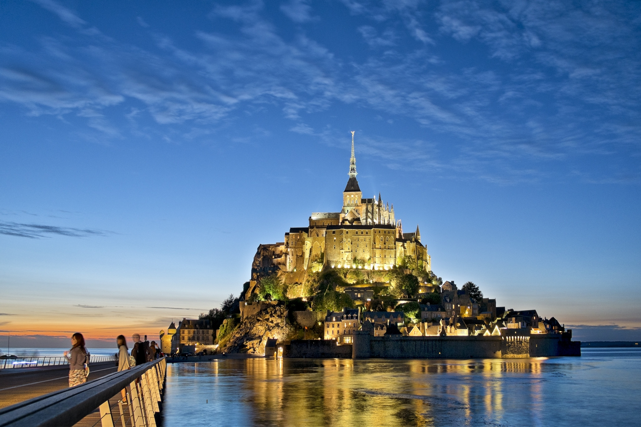 Eclairage sur le Mont Saint-Michel, de Nuit.