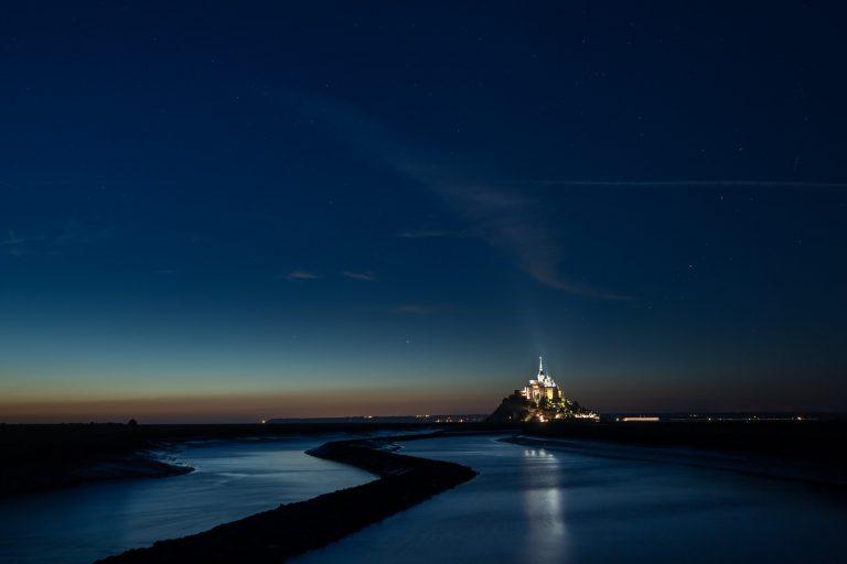 Vue la nuit sur le Mont Saint Michel