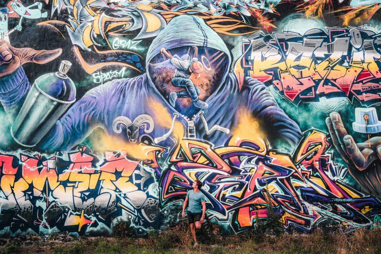 exposición urbana de grafiteros