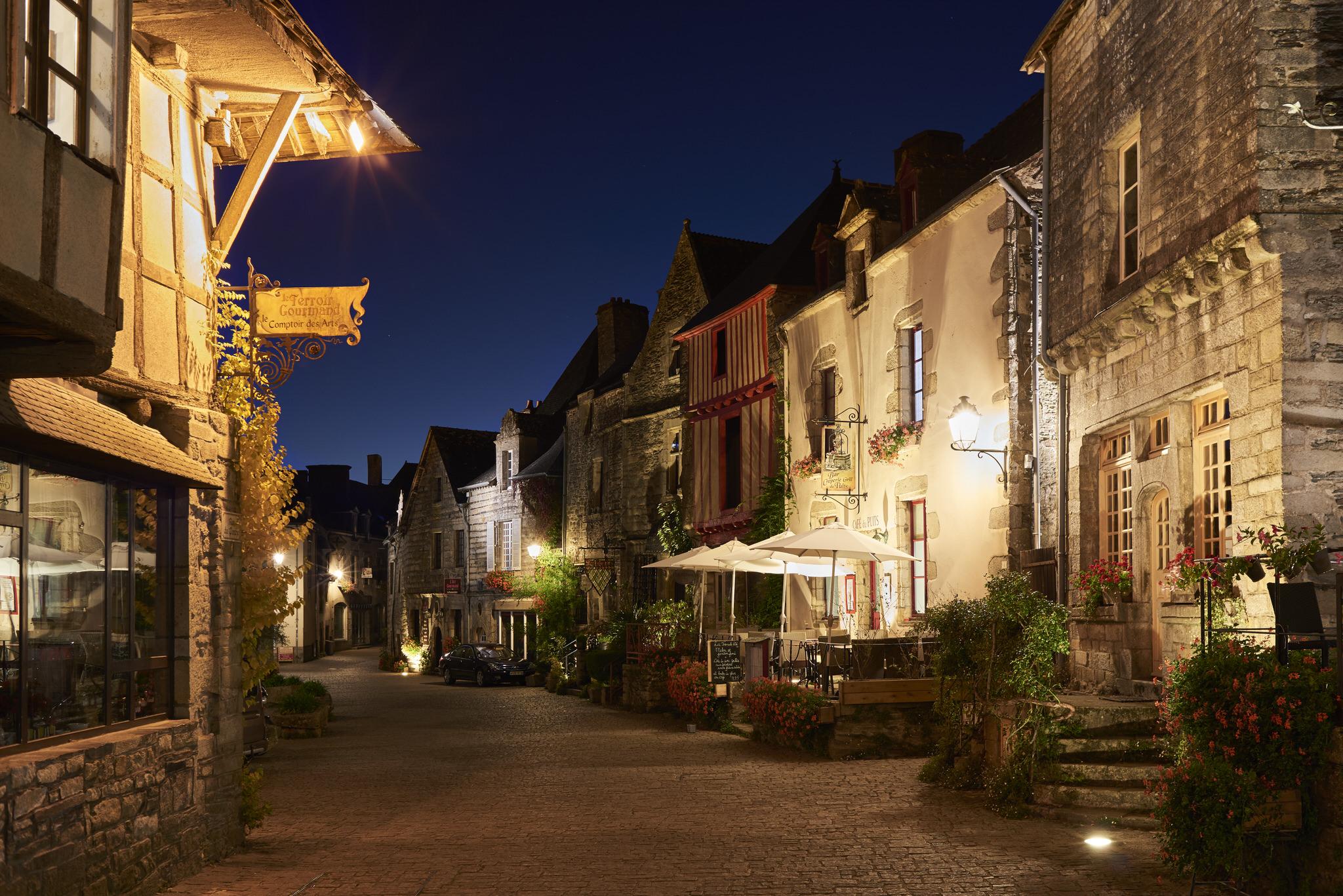 Rochefort en Terre, balade dans les rues éclairées