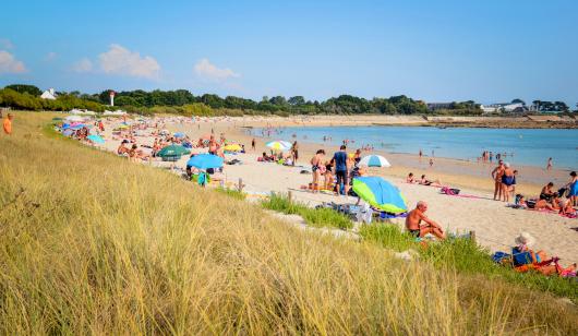 plage de sable fin de l'Anse du Stole à Ploemeur