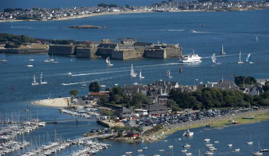 Vue aérienne de la rade de Lorient.