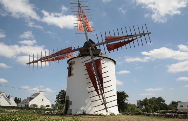 Vieux moulin sur la Ria d'Etel.